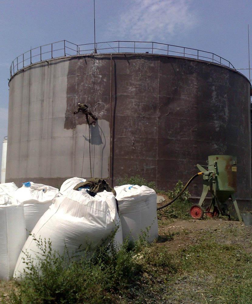 Фото Антикоррозионная защита резервуаров и водонапорных башен